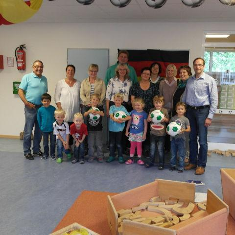 2.000 Euro Spende an Kindergärten